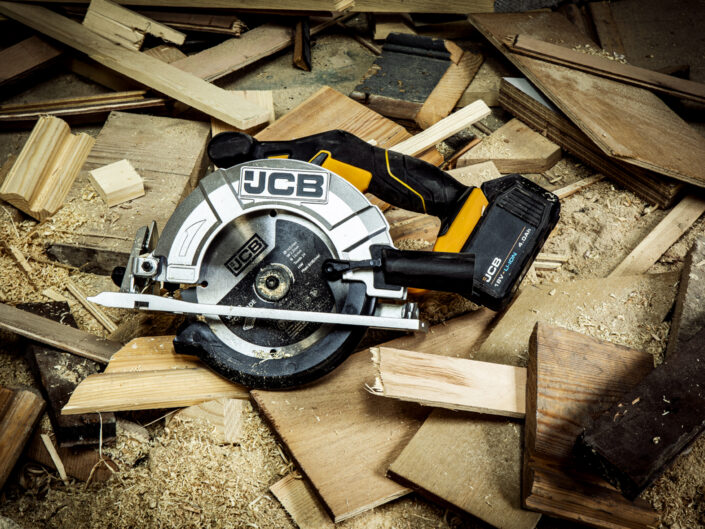 creative-product-photography-for-jcb-power-tools