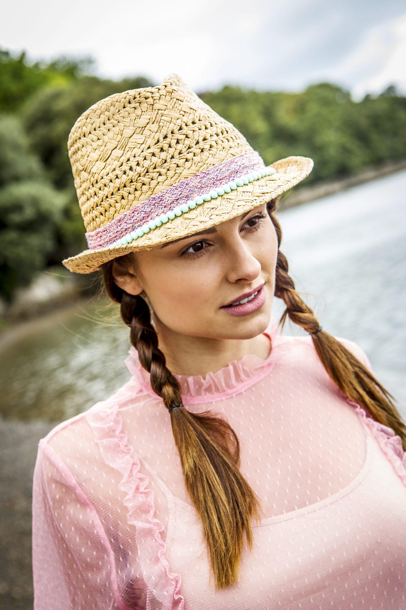 lifestyle-womenswear-fashion-photography-on-location