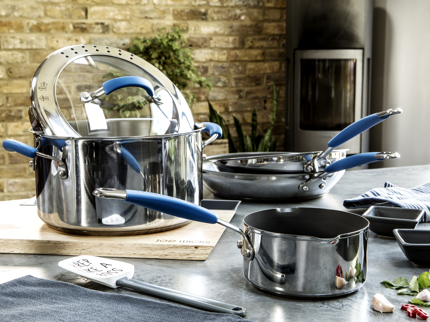 product-cookware-photography-for-joe-wicks-on-location-in-london