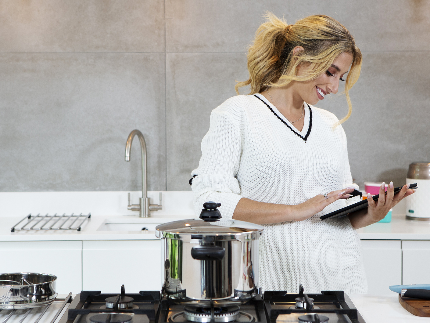 photography-for-stacey-solomon-and-prestige-cookware-shot-in-london