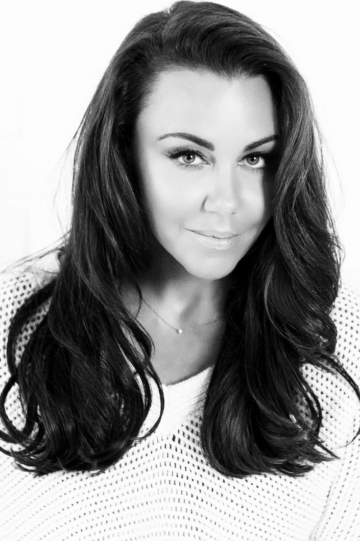 corporate-headshot-photography-for-michelle-heaton