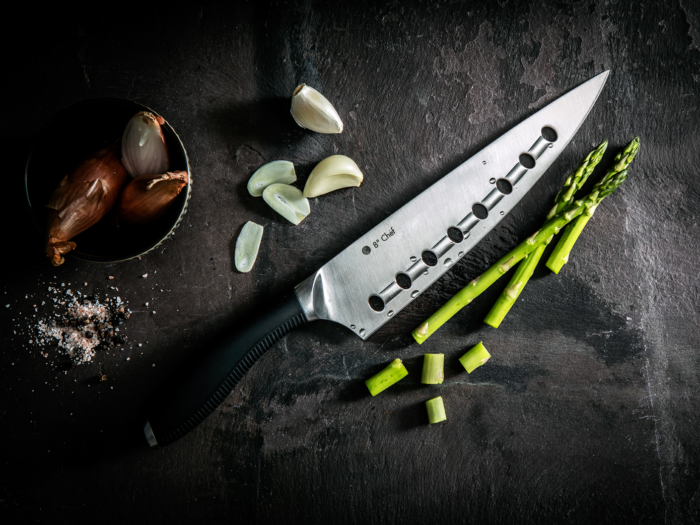creative-product-photography-for-circulon-knives-shot-in-manchester